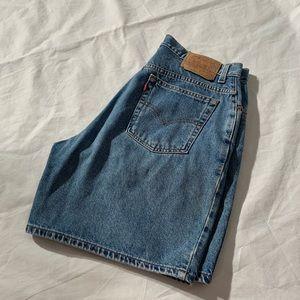 """Levis Size 14 Jeans Shorts Inseam 8"""""""